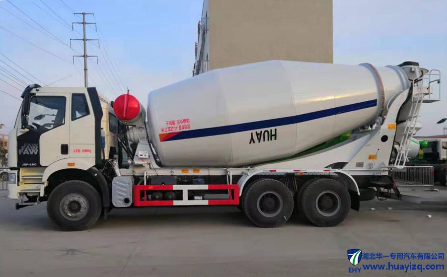 一汽解放6x4重载版水泥罐车