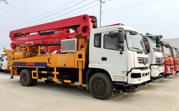 31米东风混凝土搅拌天泵车(玉柴240马力)